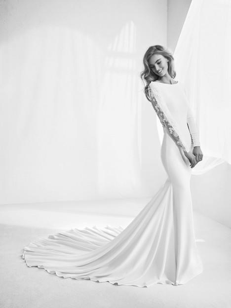 Rafaga Wedding dress by Pronovias Atelier