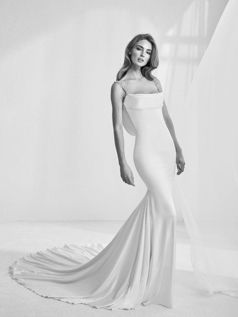 Rama gown from the 2018 Pronovias Atelier collection, as seen on dressfinder.ca