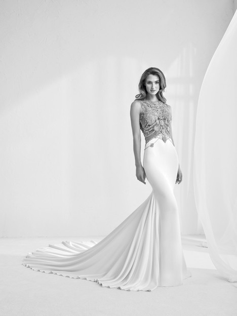 Ramir gown from the 2018 Pronovias Atelier collection, as seen on dressfinder.ca