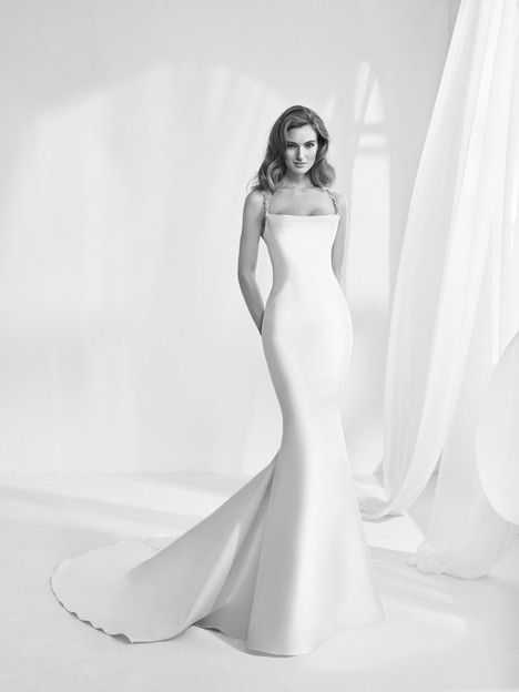 Ransen gown from the 2018 Pronovias Atelier collection, as seen on dressfinder.ca