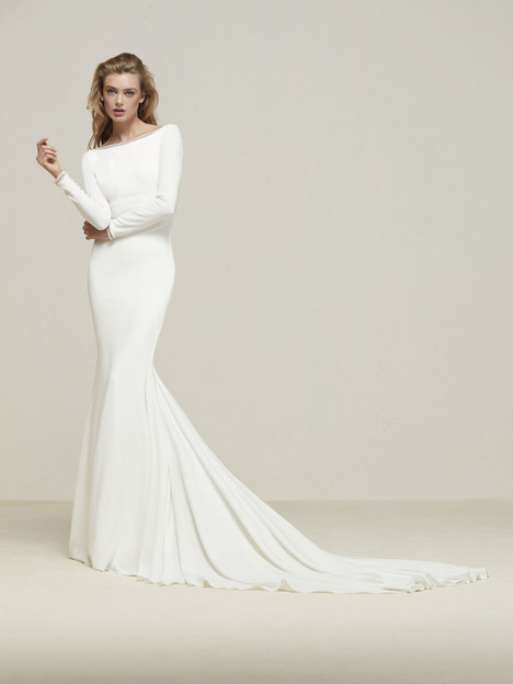 Drana Wedding                                          dress by Pronovias