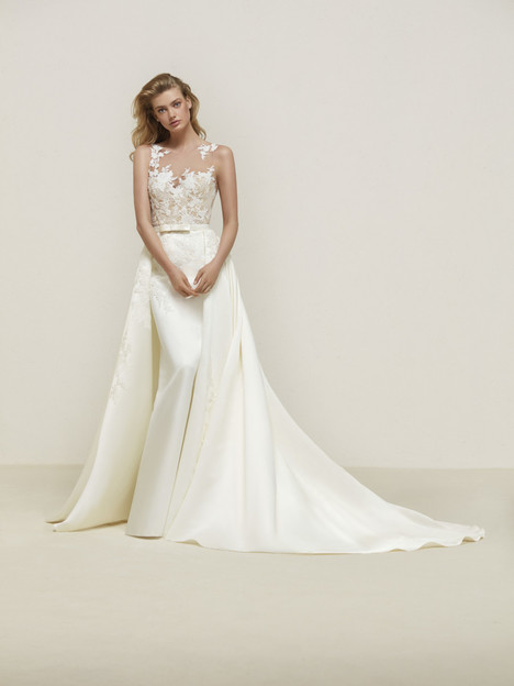 Dranoe Wedding                                          dress by Pronovias