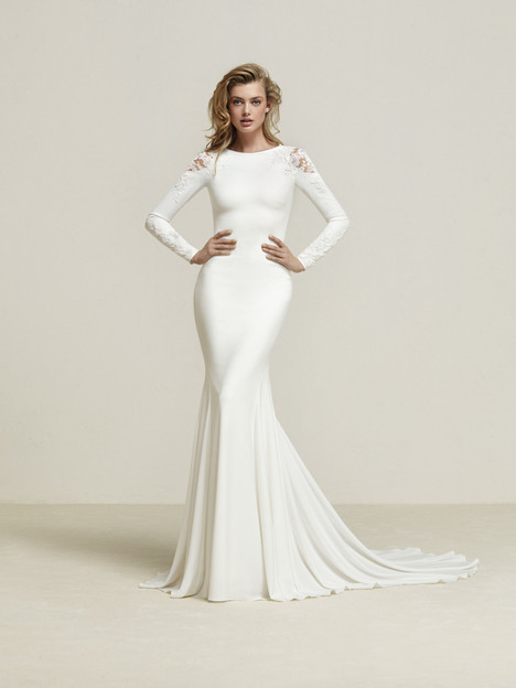 Dreide Wedding                                          dress by Pronovias
