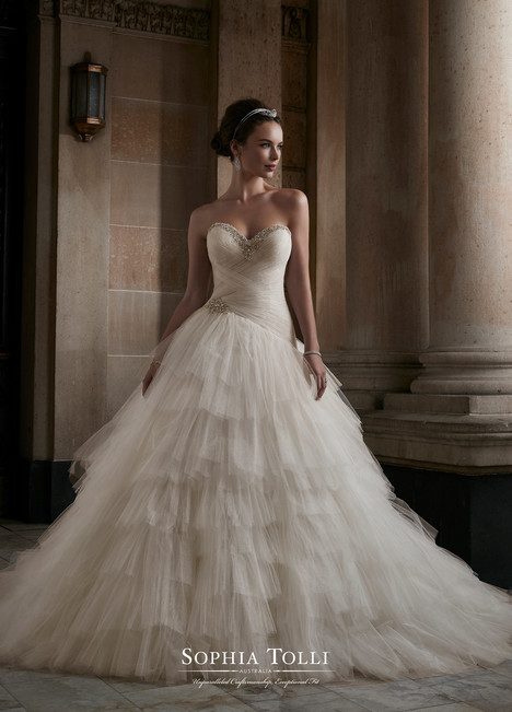 Venus (Y21760) gown from the 2017 Sophia Tolli collection, as seen on dressfinder.ca