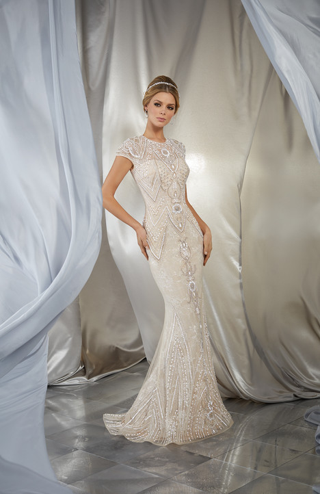 Style 6869 gown from the 2017 Morilee Voyagé collection, as seen on dressfinder.ca