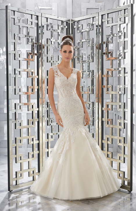 5568 Wedding                                          dress by Mori Lee: Blu