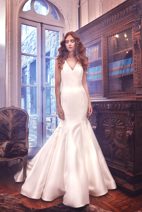 Mercer gown from the 2018 Sareh Nouri collection, as seen on dressfinder.ca