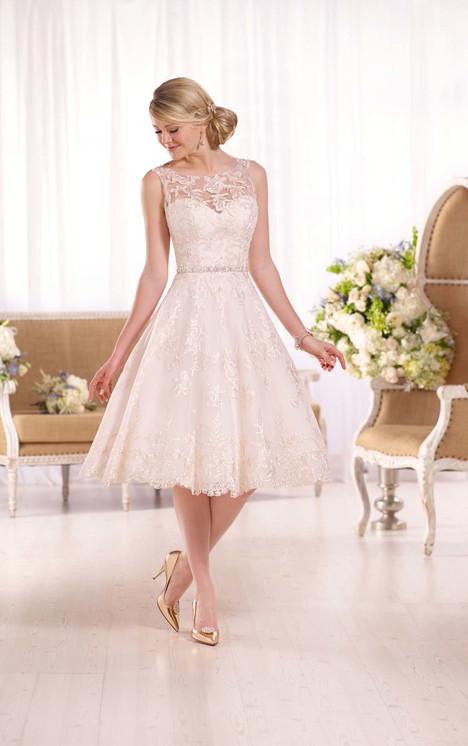 D2101 Wedding                                          dress by Essense of Australia