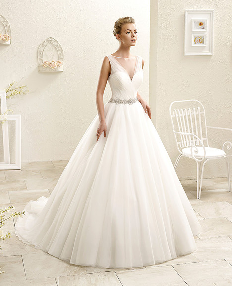 AK121 Wedding dress by Eddy K
