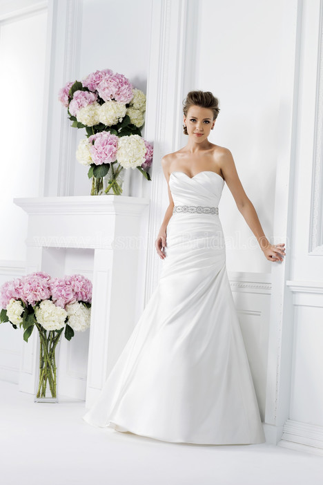 F161001 Wedding dress by Jasmine Collection