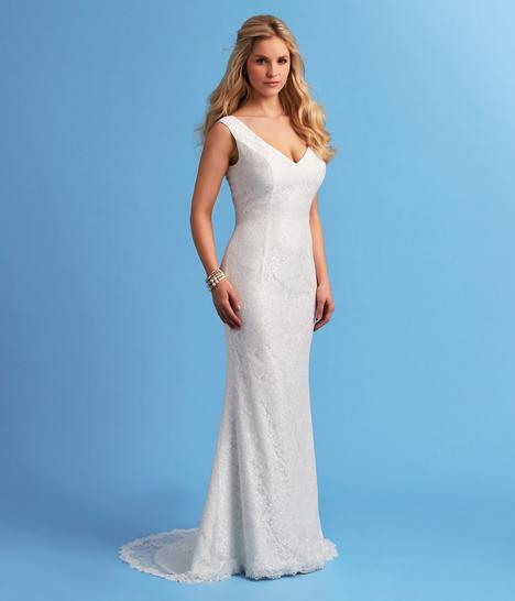 Style 6653 gown from the 2015 Romantic Bridals collection, as seen on dressfinder.ca