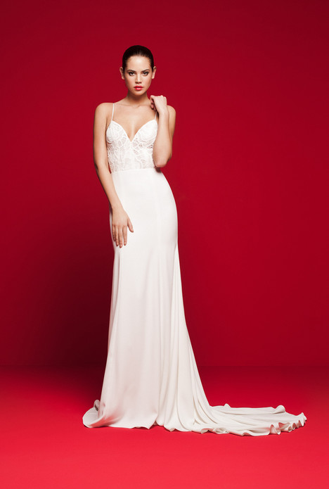 LVS-320 Wedding                                          dress by Daalarna