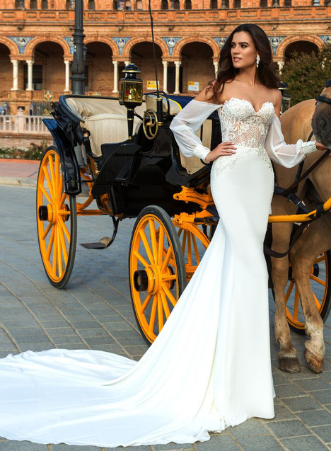 Heyly Wedding dress by Crystal Sevilia