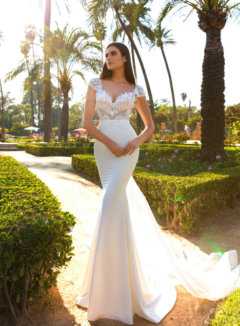 Elle Wedding                                          dress by Crystal Sevilia