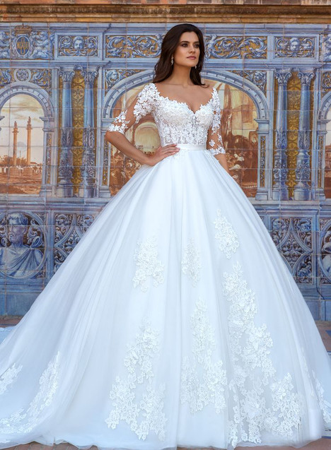 Eleonor Wedding                                          dress by Crystal Sevilia