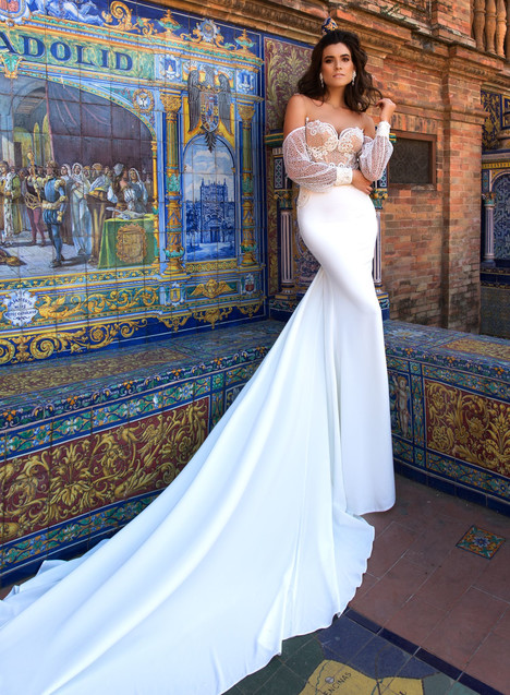 Paloma gown from the 2017 Crystal Sevilia collection, as seen on dressfinder.ca