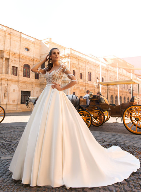 Jaimi Wedding dress by Crystal Sevilia