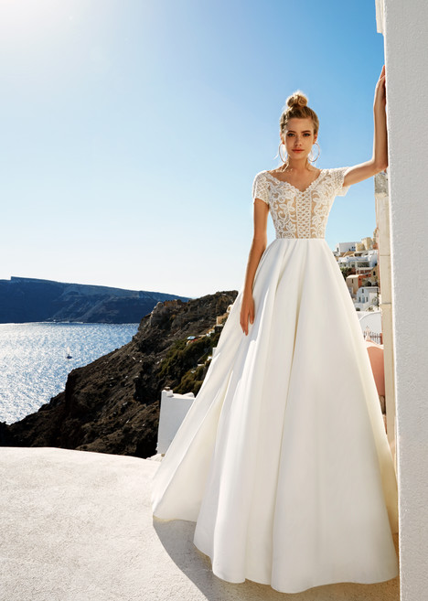 Sidny Wedding                                          dress by Eva Lendel Santorini