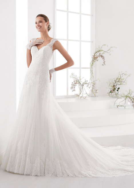 AUAB18994 gown from the 2018 Aurora collection, as seen on dressfinder.ca