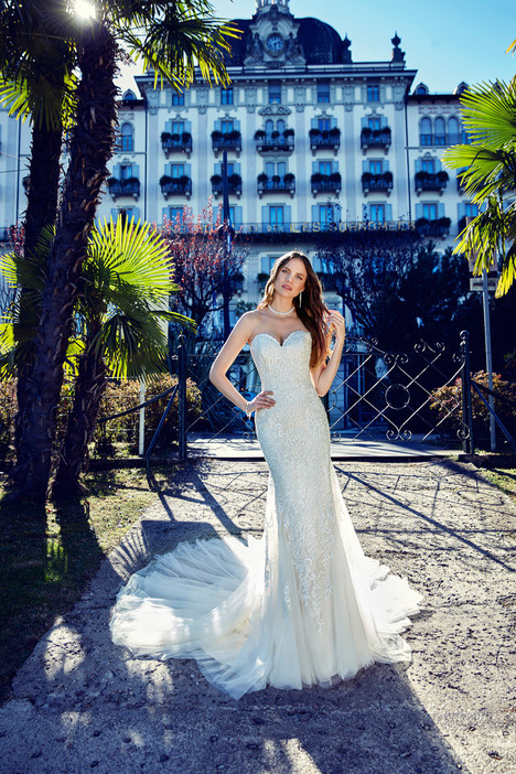 EK1138 Wedding                                          dress by Eddy K