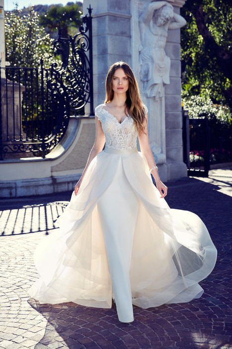 EK1140 (+ DT101) Wedding                                          dress by Eddy K