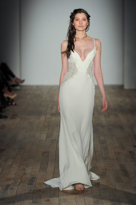 Bryn (6754) gown from the 2017 Hayley Paige collection, as seen on dressfinder.ca