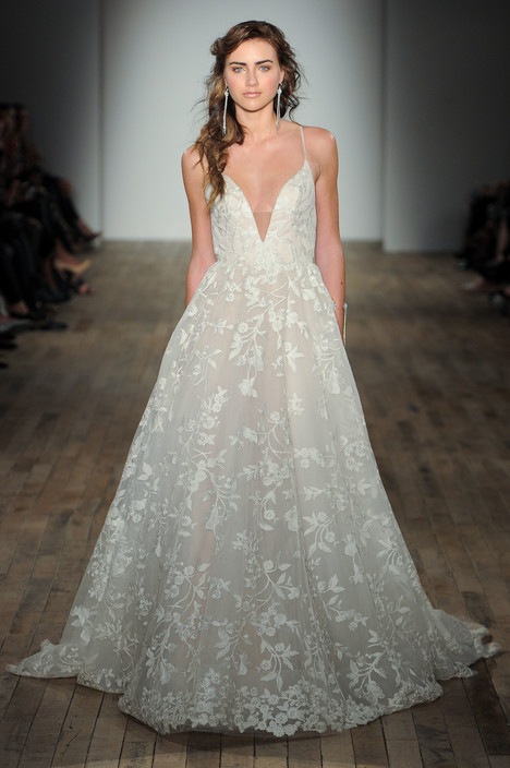 8750 Wedding                                          dress by Jim Hjelm