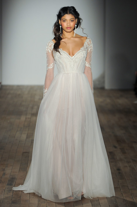 8751 Wedding                                          dress by Jim Hjelm