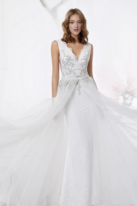 JOAB18503 gown from the 2018 Jolies collection, as seen on dressfinder.ca
