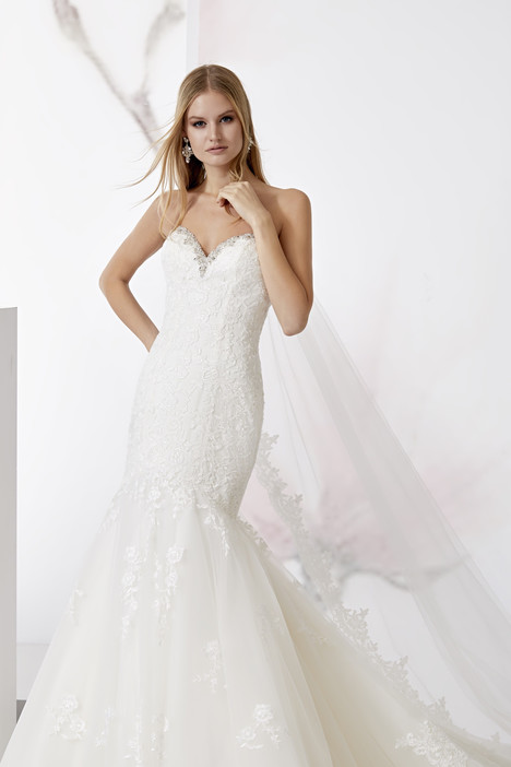 JOAB18522 gown from the 2018 Jolies collection, as seen on dressfinder.ca