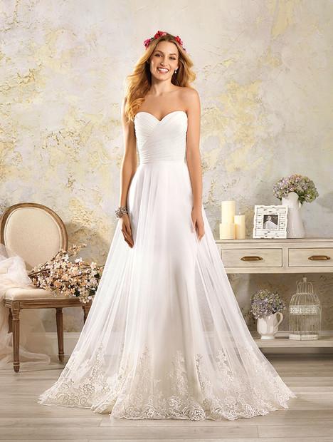 5005 Wedding                                          dress by Alfred Angelo : Modern Vintage Bridal