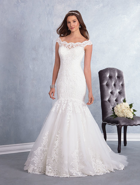 3002 Wedding                                          dress by Alfred Angelo