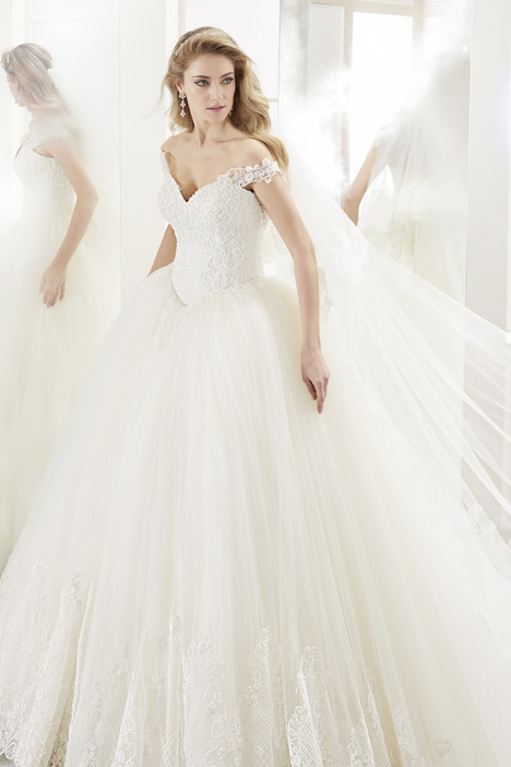 ROAB18828 Wedding                                          dress by Romance