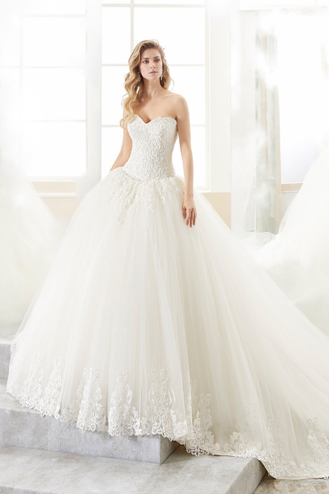 ROAB18873 gown from the 2018 Romance collection, as seen on dressfinder.ca