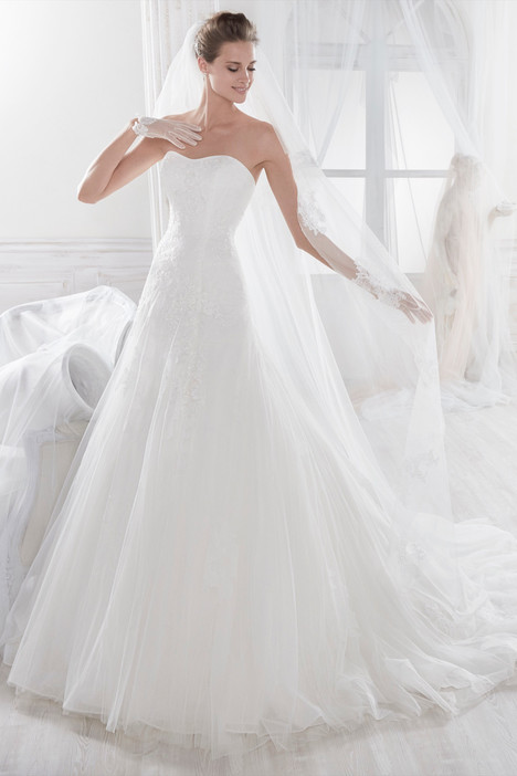 NIAB18033 Wedding                                          dress by Nicole Spose