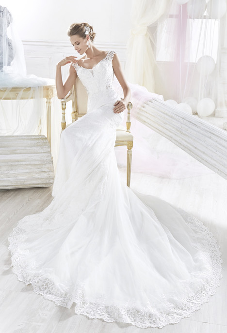 NIAB18057 Wedding                                          dress by Nicole Spose