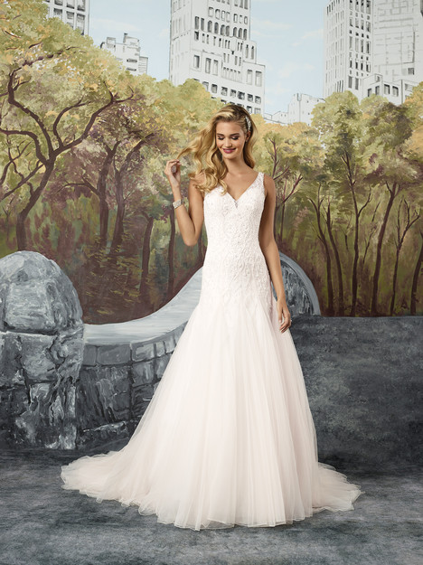 8912 Wedding                                          dress by Justin Alexander