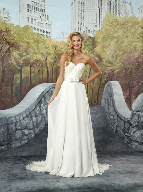 8916 Wedding                                          dress by Justin Alexander
