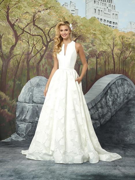 8924 Wedding                                          dress by Justin Alexander