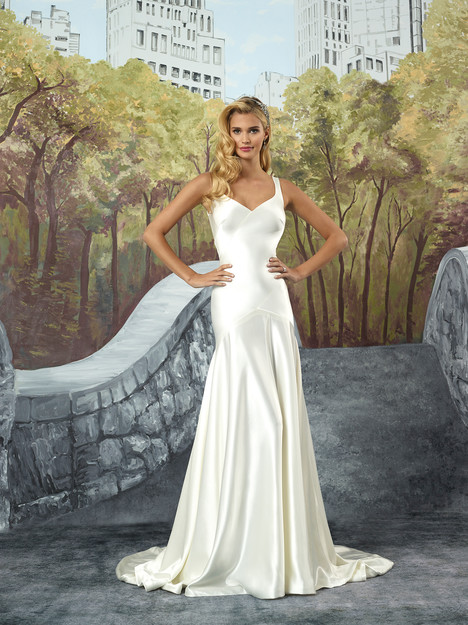 Style 8926 gown from the 2017 Justin Alexander collection, as seen on dressfinder.ca