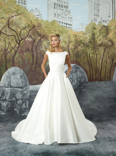 Style 8929 gown from the 2017 Justin Alexander collection, as seen on dressfinder.ca