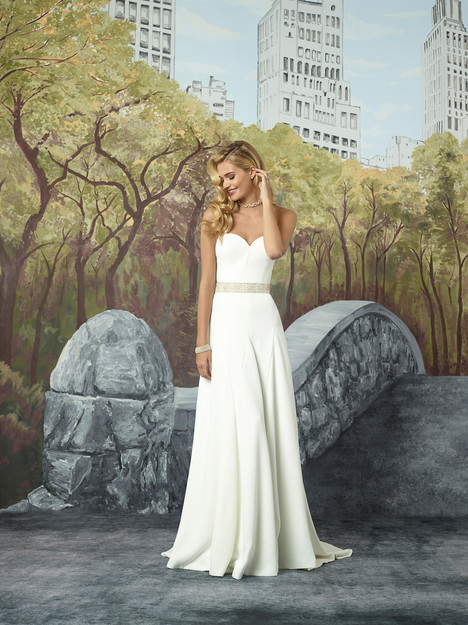 Style 8932 gown from the 2017 Justin Alexander collection, as seen on dressfinder.ca