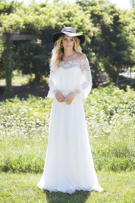 6476 Wedding                                          dress by Lillian West