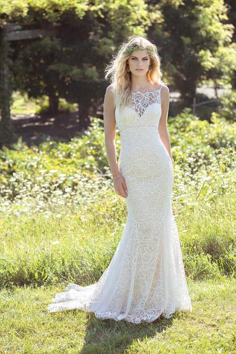 6480 Wedding                                          dress by Lillian West