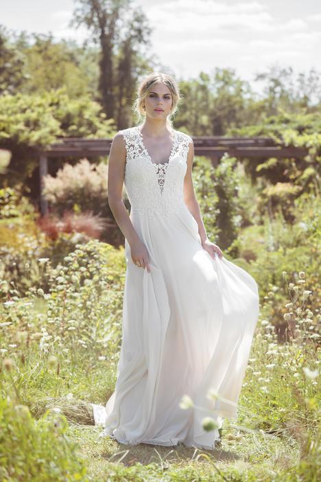 6484 Wedding                                          dress by Lillian West