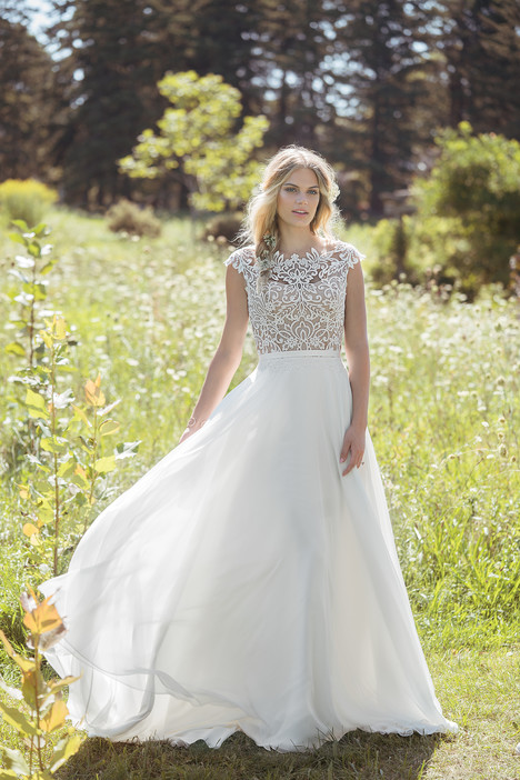 6493 Wedding                                          dress by Lillian West