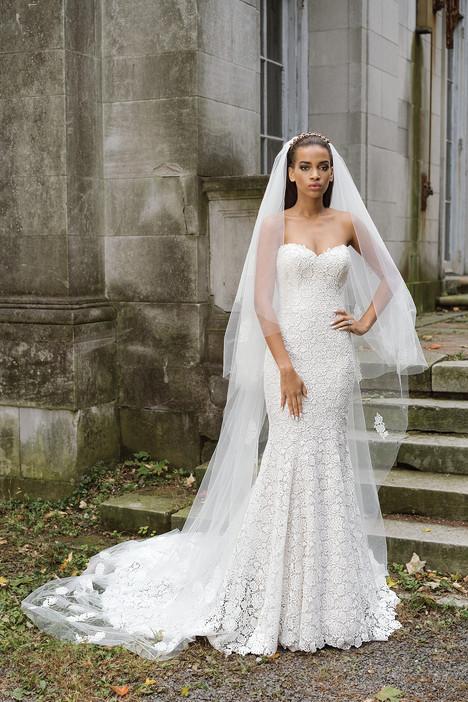 9867 Wedding                                          dress by Justin Alexander Signature