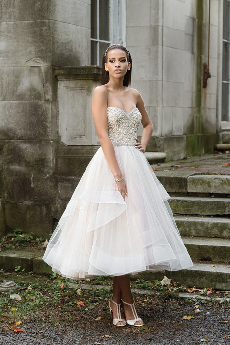 9869 Wedding                                          dress by Justin Alexander Signature