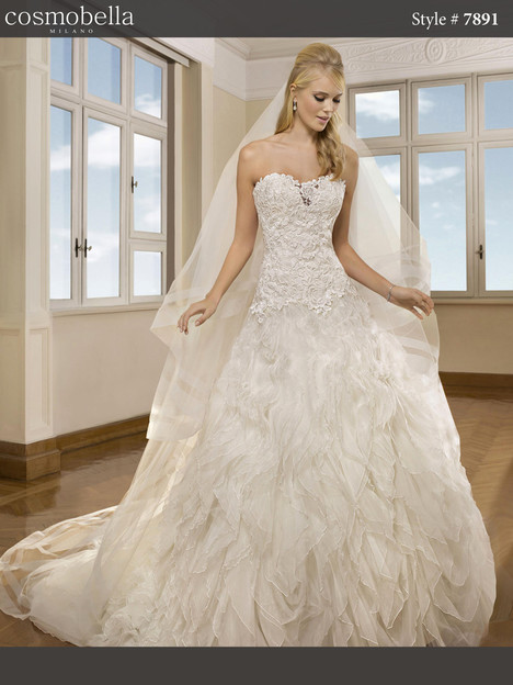 7891 Wedding                                          dress by Cosmobella