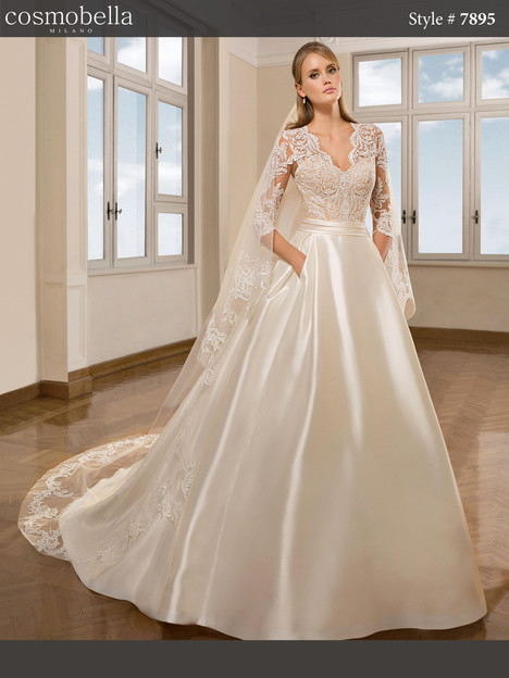 7895 Wedding dress by Cosmobella